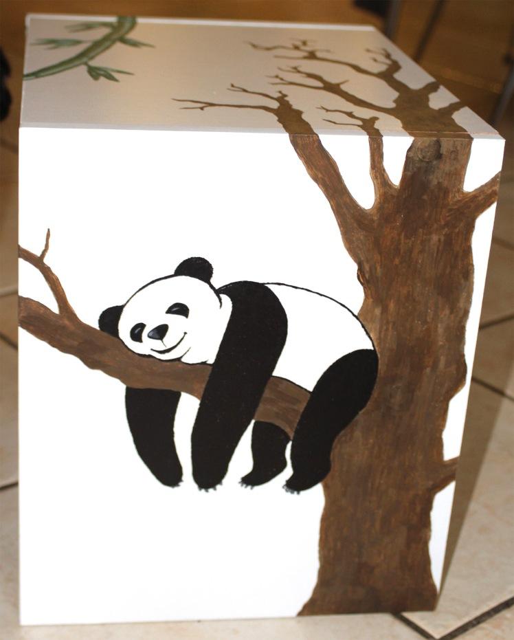 meuble panda sur une branche